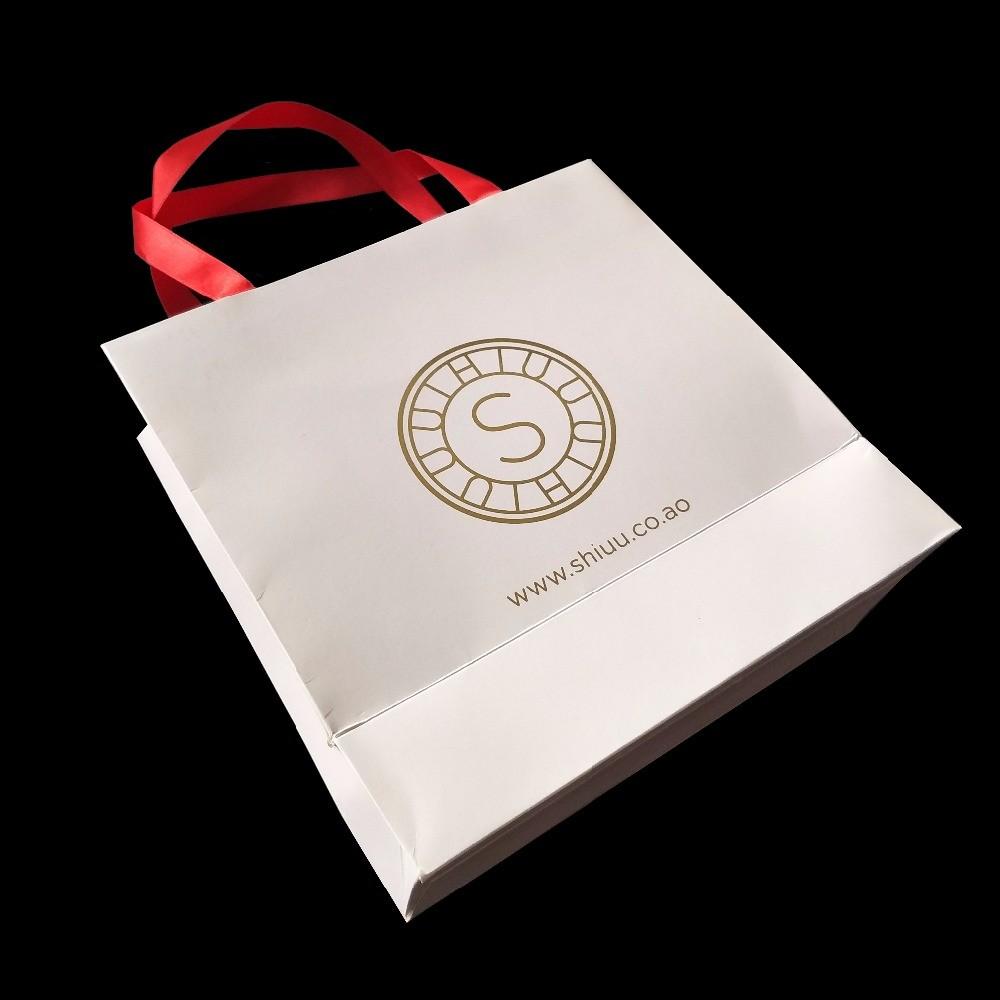 White 300 Gsm Matte Paper Shopping Bags Matte Laminasi